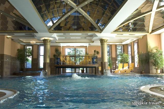 Grand Hotel Amp Suites Toronto