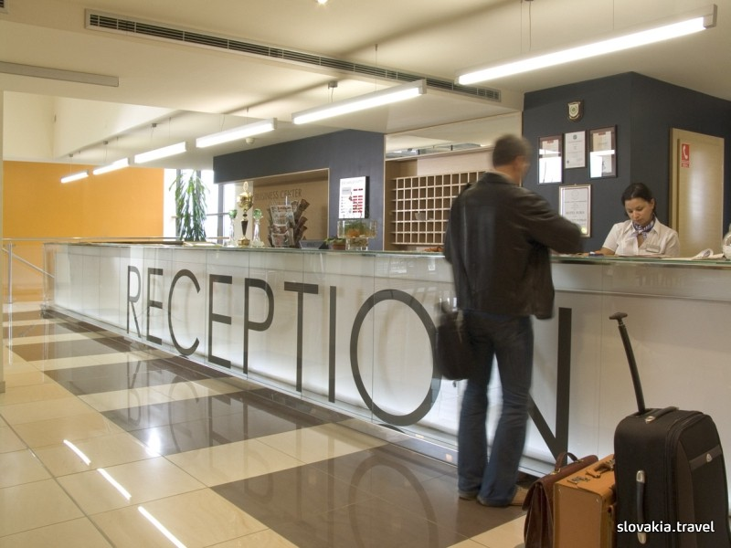 Hotel AquaCity Season Poprad reception area